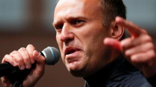 Archivo-El líder de la oposición rusa, Alexéi Navalny, participa de una manifestación para exigir la liberación de opositores encarcelados en Moscú, Rusia, el 29 de septiembre de 2019.