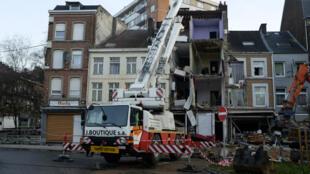 Les restes de la maison qui abritait la cellule jihadiste à Verviers.