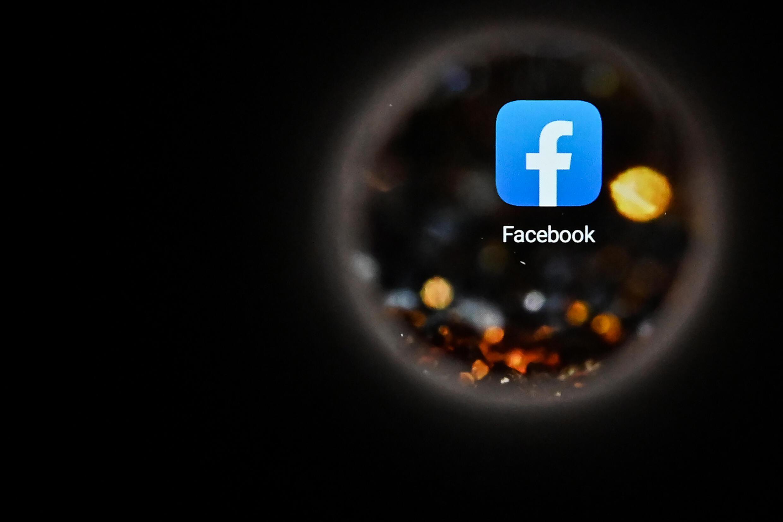 Hasta ahora, los legisladores han sido lentos e ineficaces en sus esfuerzos por regular el gigante de las redes sociales Facebook