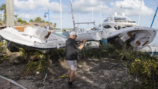 Des bateaux endommagés à Miami, en Floride, le 11 septembre 2017, après le passage de l'ouragan Irma.