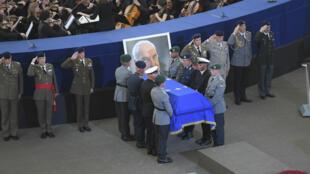 L'hommage à Helmut Kohl s'est tenu le 1er juillet 2017, dans l'enceinte du Parlement européen à Strasbourg.