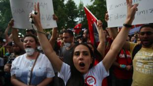 Manifestation au centre-ville d'Ankara, le 8 juin 2013