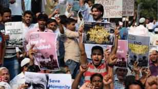 Des manifestants à New Delhi en Inde, mercredi 13 septembre 2017, protestent contre le traitement infligé aux Rohingyas en Birmanie.