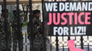 """Manifestation demandant justice pour """"Liz"""", le 30 octobre 2013, devant la direction de la police de Nairobi."""