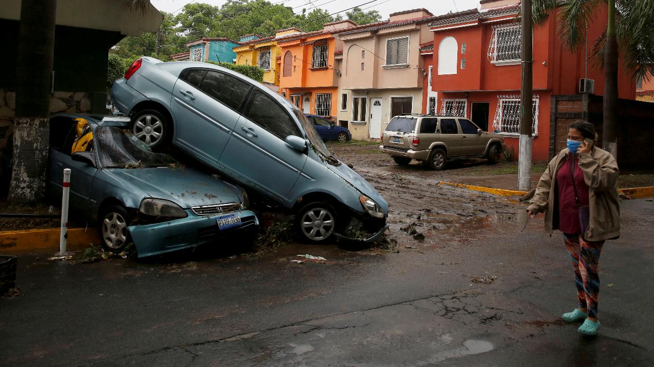 La tormenta tropical Amanda ha causado estragos en San Salvador, El Salvador, el lunes 1 de junio de 2020.