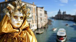 Venice-coronavirus-carnivale-m