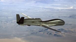 طائرة مسيرة أمريكية تحلق بالقرب من إيران قبيل إسقاطها فوق مضيق هرمز بصاروخ أرض-أرض إيراني- 20 يونيو/حزيران 2019