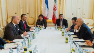 Rencontre bilatérale entre les délagations française et iranienne, le 27 juin 2015 à Vienne.