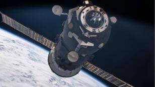 La vaisseau Progress 62 s'approchant de l'ISS le 1er Juillet 2016.