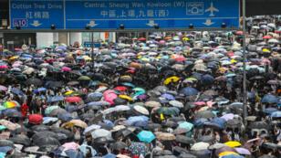 Lors de la mobilisation du mercredi 12 juin 2019, les manifestants ont bloqué les artères principales de Hong Kong et, comme en 2014, les parapluies étaient de sortie.