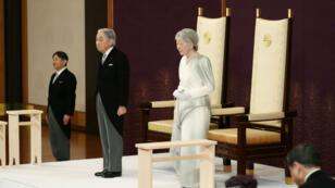 الإمبراطور أكيهيتو أثناء خطاب تنازله في 30 أبريل 2019 في القصر الإمبراطوري في طوكيو