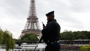 La Torre Eiffel se cerrará el fin de semana por motivos de seguridad.