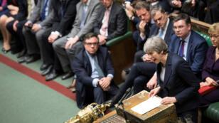 La primera ministra británica, Theresa May, habla en el Parlamento luego de una votación que descartó la opción de un Brexit sin acuerdo. Londres, Reino Unido, el 13 de marzo de 2019.