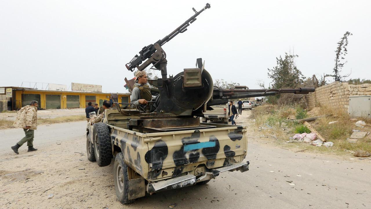 Des forces du GNA près de la ligne de front, le 21 mai 2019, dans la région de Salaheddine, au sud de Tripoli en Libye.