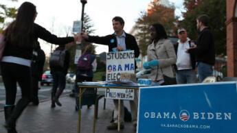 Un stand du candidat démocrate à l'université de Virginie