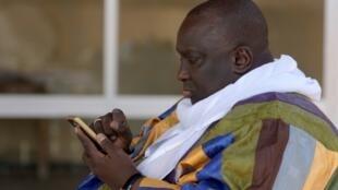 Papa Massata Diack, le fils de l'ex-patron de l'IAAF Lamine, ici à Dakar le 6 mars 2017, est toujours dans le collimateur de l'athlétisme mondial