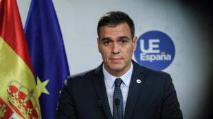 Le Premier ministre espagnol par intérim, Pedro Sanchez, tient une conférence de presse à l'issue du sommet des dirigeants de l'Union européenne, à Bruxelles, le 18 octobre 2019.