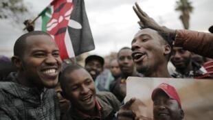 احتفالات أنصار الرئيس الكيني أوهورو كينياتيا