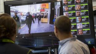 Esta imagen de archivo muestra una exhibición del funcionamiento de un sistema de reconocimiento facial para uso policial, durante una conferencia tecnológica en Washington, el 1 de noviembre de 2017