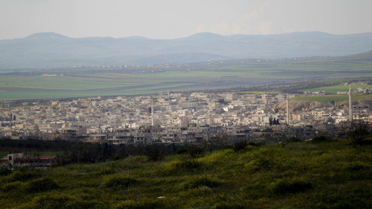 Vista panorámica de Jan Shijún, ciudad estratégica en el sur de Idlib, Siria, el 16 de marzo de 2015 (Imagen de archivo).