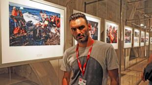 """Le photographe grec Aris Messinis a remporté samedi le Visa d'Or dans la catégorie """"news' du festival international de photojournalisme Visa pour l'image de Perpignan."""