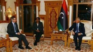 رئيس المجلس الوطني مستقبلا موفد الأمم المتحدة في طرابلس - 24 آذار/مارس 2015