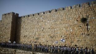 2021-06-07T115207Z_1375364351_RC2NVN9X15FZ_RTRMADP_3_ISRAEL-PALESTINIANS-JERUSALEM-MARCH