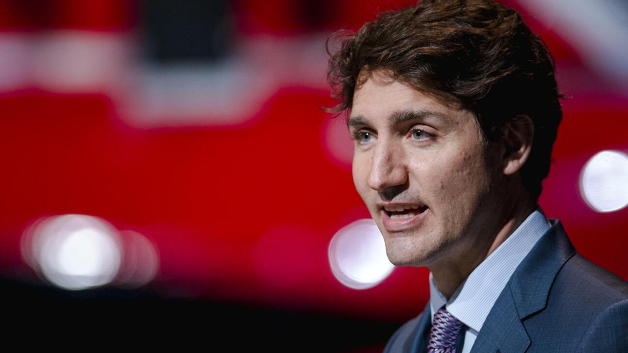 رئيس الوزراء الكندي يلغي تجمعا انتخابيا بسبب تظاهرة ضد القيود الصحية