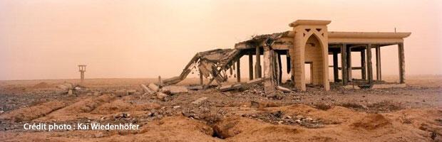 Ruines de l'aéroport international de Gaza, à Rafah, finalement détruit par l'armée israélienne durant l'hiver 2008-2009. L'aéroport avait été construit par les Nations unies, avec une aide financière de l'Union européenne. Photo prise en décembre 2009.