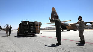مساعدات أردنية تصل إلى مطار بيروت.