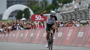 L'Equatorien Richard Carapaz champion olympique de cyclisme sur route, à Oyama, le 24 juin 2021