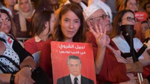 Salwa Smaoui a joué un rôle clé dans la campagne du premier tour de son mari Nabil Karoui.