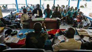 Un sergent-major de l'armée congolaise comparaît devant le tribunal militaire de Kinshasa pour viol et violation des instructions, lors du procès des soldats congolais de la Minusca, le 4 avril 2016.