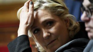 """زعيمة حزب التجمع الوطني """"الجبهة الوطنية سابقا"""" مارين لوبان."""