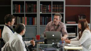 """Un placement de produit Apple dans la série """"Dr House"""" avec Hugh Laurie."""