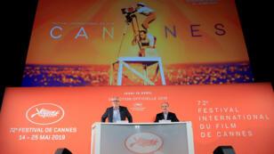 El delegado general del Festival de Cannes Thierry Fremaux y el presidente del Festival de Cannes Pierre Lescure asisten a una conferencia de prensa para anunciar la selección oficial para el 72º Festival Internacional de Cine de Cannes en París, Francia, el 18 de abril de 2019.