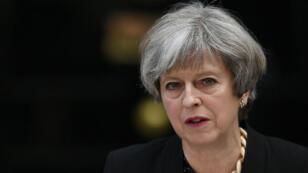 La Première ministre britannique, la conservatrice Theresa May, s'est exprimée le 4 juin 2017 devant le 10, Downing Street.