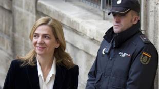 L'infante Cristina le 8 février 2014, à son arrivée au tribunal de Palma de Majorque.