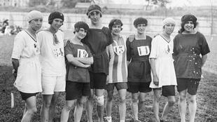 Des sportives françaises aux championnats annuels féminins d'athlétisme en 1920