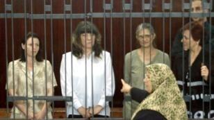 الممرضات البلغاريات خلال محاكمتهن بتهمة نقل فيروس الايدز الى اطفال في ليبيا