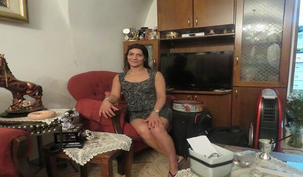 أني داكبيكان سيدة تعيش في حي الأرمن بالقدس منذ 44 عاما