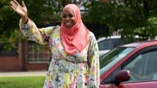 المرشحة المسلمة البالغة 44 عاما أمة الله ودود بعد لقائها بالناخبين، 21  يوليو 2018