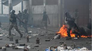 De violents affrontements entre manifestants et forces de l'ordre ont eu lieu, le 9 juin 2019, à Port-au-Prince, à la fin de la manifestation réclamant le départ du président haïtien.