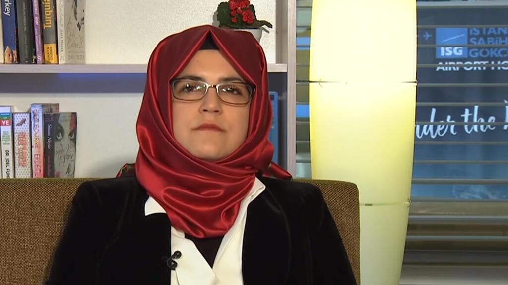 Hatice Cengiz durante una entrevista con France 24.