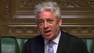 Cette capture vidéo d'une séquence diffusée par l'unité d'enregistrement parlementaire (PRU) du Parlement britannique montre le président de la Chambre des communes, John Bercow, à la Chambre des communes à Londres le 18 mars 2019.