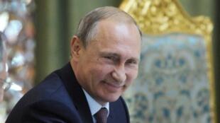 الرئيس الروسي فلاديمير بوتين في دوشانبي في 15 أيلول/سبتمبر 2015
