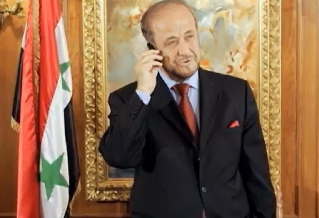 صورة ملتقطة من الفيديو لنائب الرئيس السوري السابق رفعت الأسد