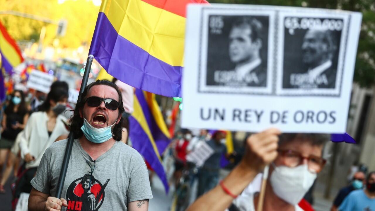 REY_PROTESTA_MONARQUIA_ESPANA