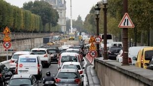 Un atasco en París el 13 de octubre de 2016