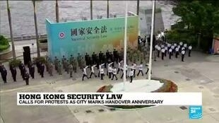 2020-07-01 08:01 Hong Kongers march in defiance of harsh national security laws